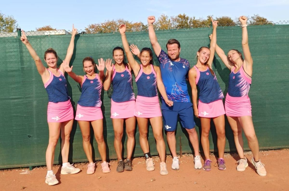 Tennisdamen-1-Mannschaftsfoto